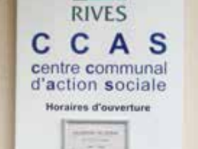Comment s'organise la compétence d'action sociale dans les communes de moins de 1 500 habitants?