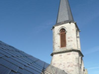 L'église ne tombe pas dans les panneaux