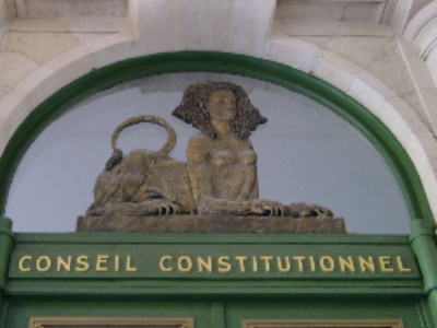 Le Conseil d'Etat transmet une QPC sur le décret du 15 mars 2010 relatif à l'utilisation du bois dans certaines constructions