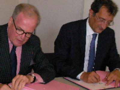 Villes moyennes: signature d'une convention-cadre pour les quartiers prioritaires