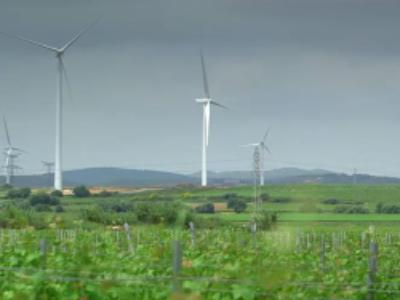 EDF EN installe des éoliennes furtives à Perpignan