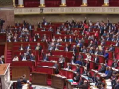 Les députés votent l'article sur la déchéance de nationalité