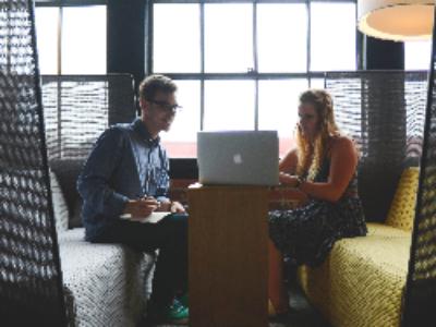 La communication interne des collectivités s'interroge sur le bien-être au travail