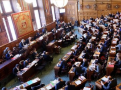 Paris adopte les principesde la réforme de son statut
