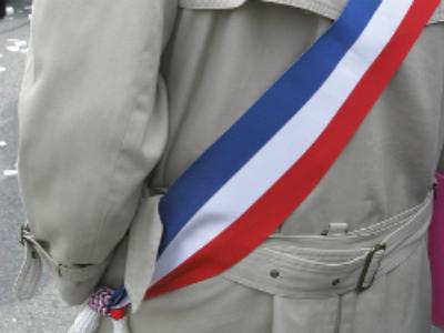 Les candidats à la présidentielle face aux maires de France