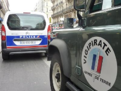 """Création du Centre national  de contre-terrorisme, la """"task force"""" française"""