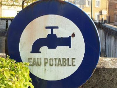 Service public d'eau potable: le Sénat allège les contraintes imposées aux élus locaux