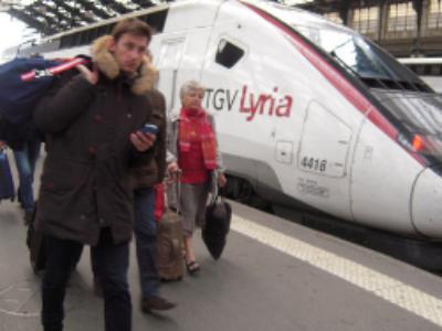 Fermeture de lignes, dégradation de l'offre: les usagers des transports ferroviaires interpellent le Premier ministre