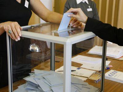 Polémique sur la date des élections régionales